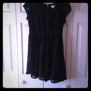 Little lace black dress 