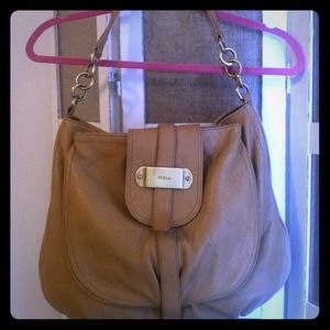 ⬇ Authentic Butter Soft Furla Leather Hobo