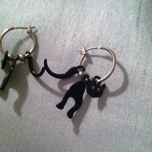 Cute Halloween cat earrings!
