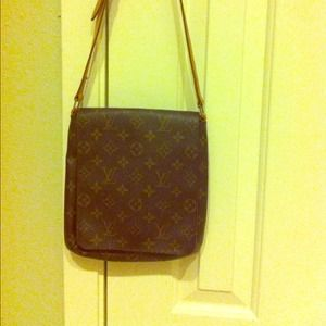 Louis Vuitton Musette Tango short - gently used