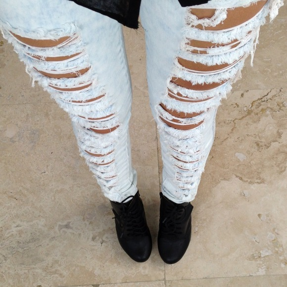 Light Denim High Waisted Ripped Skinny Jeans 3 & 5 from Simonett's ...