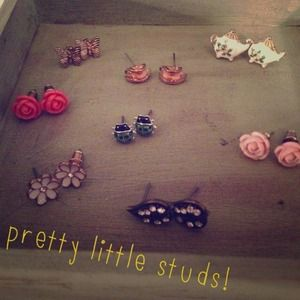 PRICE LOWERED! Pretty little studs! 