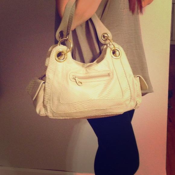 💢SOLD💢Aldo purse, cream color 💛