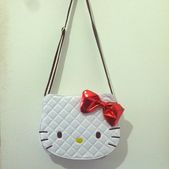 92756242a Sanrio Hello Kitty Cross-body Purse. M_51bb2fb72e9a26708e024fff
