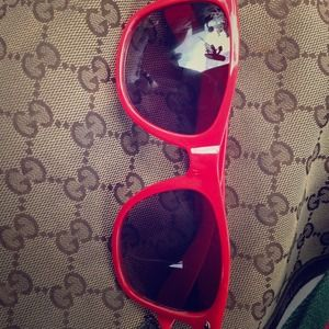 Red ray ban sunnies
