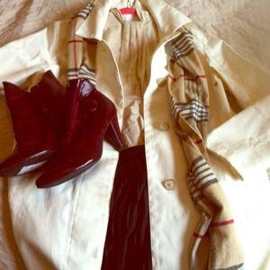 Cream colored gap trench coat