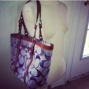 Authentic *COACH* Lavender & Leather Tote purse