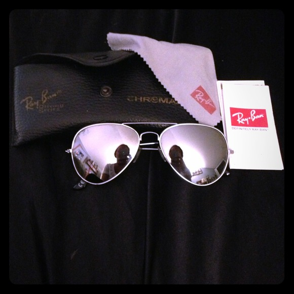 ce55ef9aa2c Ray Ban chrome aviators in good conditionRESERVED!  M 51bb9383c712452b90029d7a