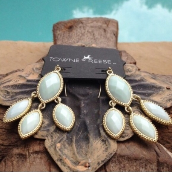 Towne and Reese Jewelry - 🌟Just Reduced🌟  Towne & Reese mint earrings