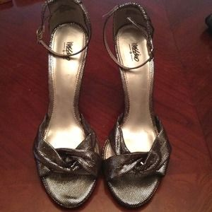 silver blk metallic Mossimo shoes