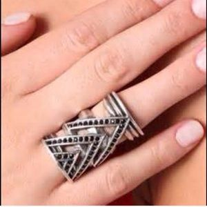 House of Harlow Chevron ring