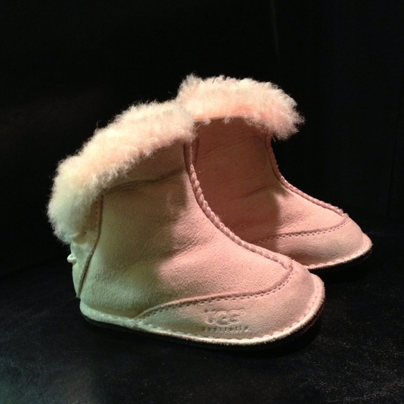 Light Pink Toddler Uggs size S