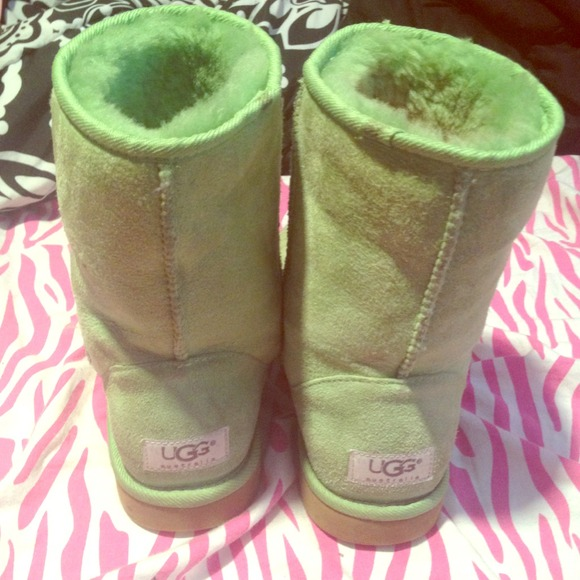Authentic rare lime green classic short uggs