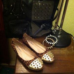 Shoes - Leopard print gold tip stud flats