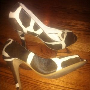 Shoes - *Reduced* Brown and ivory peep toe pumps