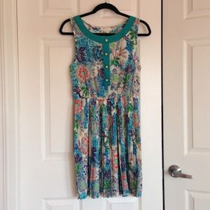 New - Vintage Inspired Floral Pleated Dress