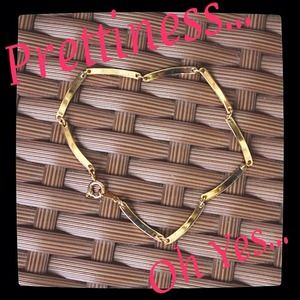Jewelry - 💗Vintage💗gold bracelet with linked bars