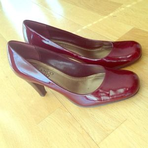 Franco Sarto reddish square toe pumps