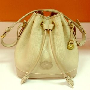 🚫SOLD🚫VINTAGE Dooney & Bourke Bucket Bag