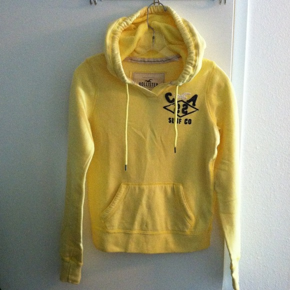yellow hollister hoodie