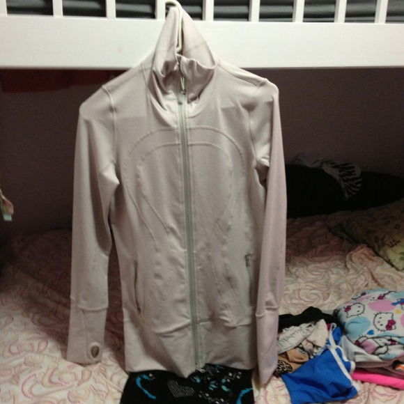 Lululemon running jacket size 6