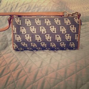 💯% Dooney & Bourke authentic mini barrel bag