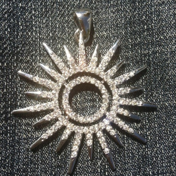 Park lane jewelry sunburst pendant poshmark park lane sunburst pendant aloadofball Images