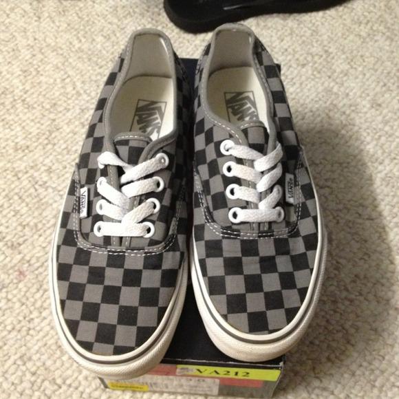 vans checkerboard black and grey