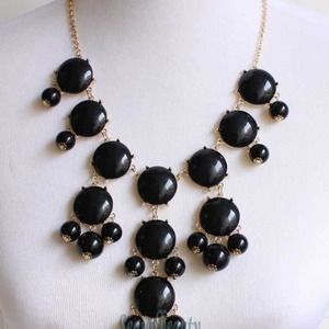 Jewelry - Cute black bubble necklace