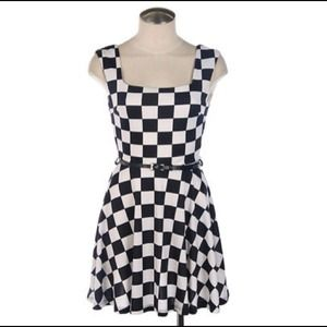 Dresses & Skirts - Checkered dress