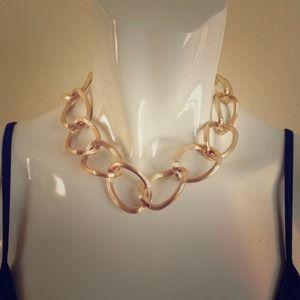 Jewelry - Large chain chocker necklace
