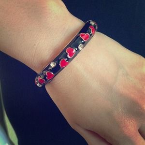 Jewelry - Queen of hearts bangle bracelet
