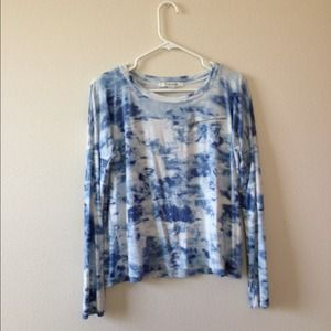Tops - Cloudy flowy long sleeves shirt !