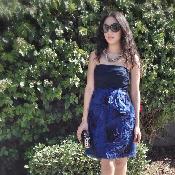 BCBGMaxAzria Floral ruffle dress