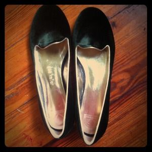 Luxury italian made Dee Keller green flats