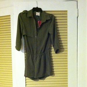 Tommygirl jumper, Size M, Army Green.