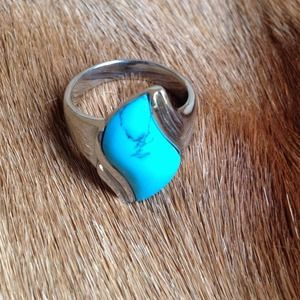 Jewelry - Cute blue stone Ring