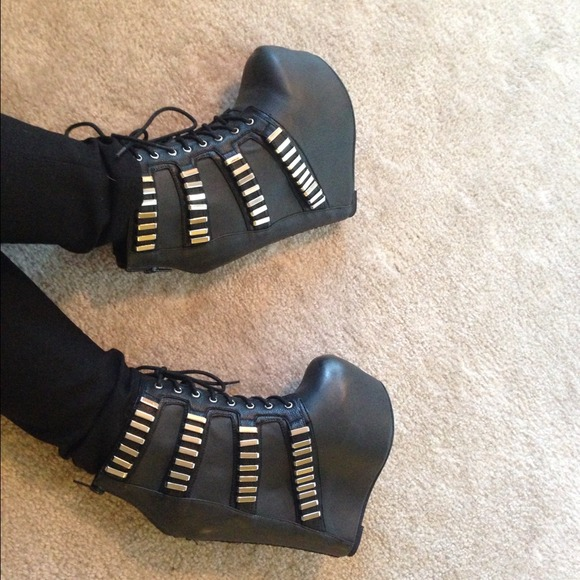 8a65df75a0c Jeffrey Campbell Shoes - New - Jeffrey Campbell Thunder 🔥