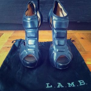 NWOB Authentic Lamb Heels