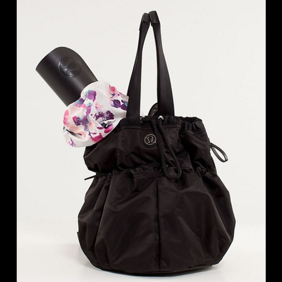 31% off lululemon athletica Handbags - LOWEST PRICE! Lululemon ...