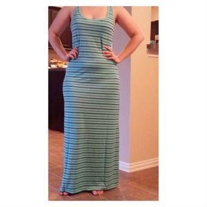 Dresses & Skirts - Size L @temina