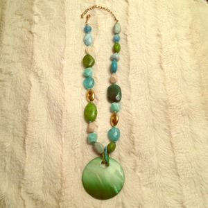Green/turquoise beaded necklace