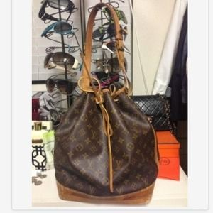 SOLD! LOUIS VUITTON AUTHENTIC NOE DRAWSTRING BAG