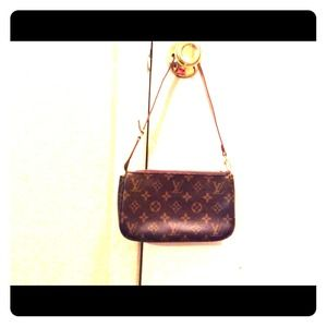 Handbags - Pouchette LV inspired!