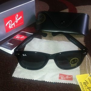 ❌❌SOLD❌❌ Ray Ban Wayfarer Sunglasses
