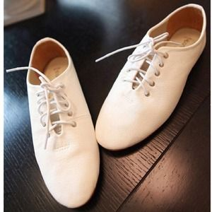 Shoes - Vintage white flats