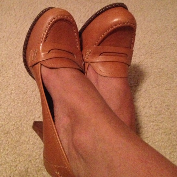Banana Republic Shoes - Banana Republic leather shoe