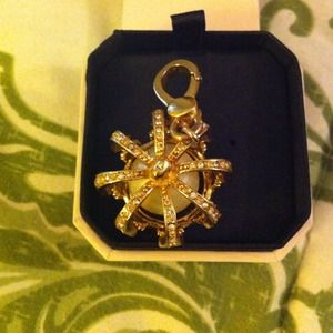 Juicy couture crown charm gold