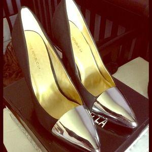✂BRAND NEW Black silver toe heels