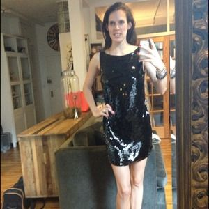 2XHP🎉Banana Republic Sequin Embellished Tank LBD
